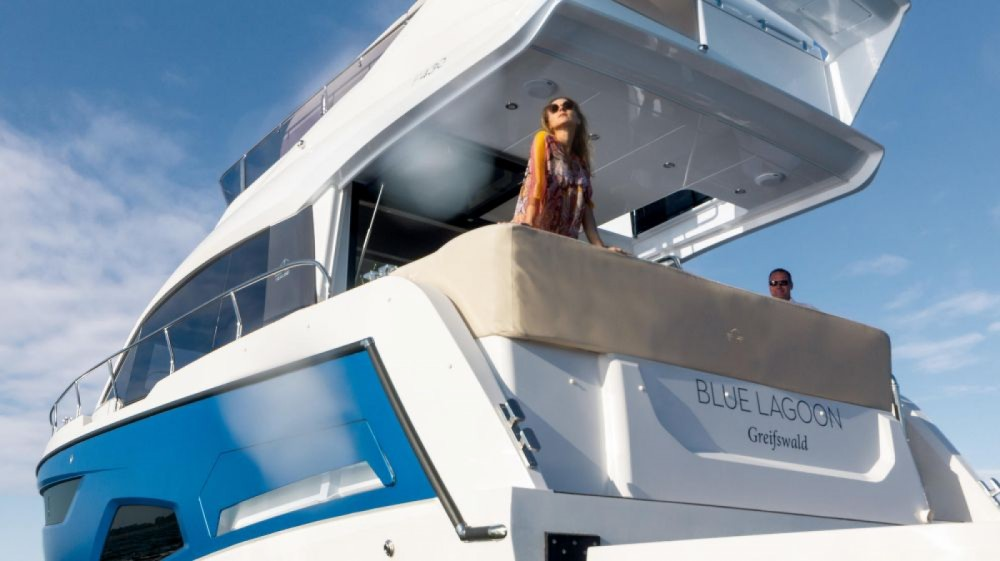 Rental yacht Pula - Sealine Sealine F430 on SamBoat