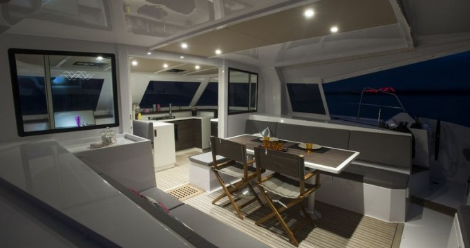Hire Catamaran with or without skipper Nautitech Saint-Mandrier-sur-Mer
