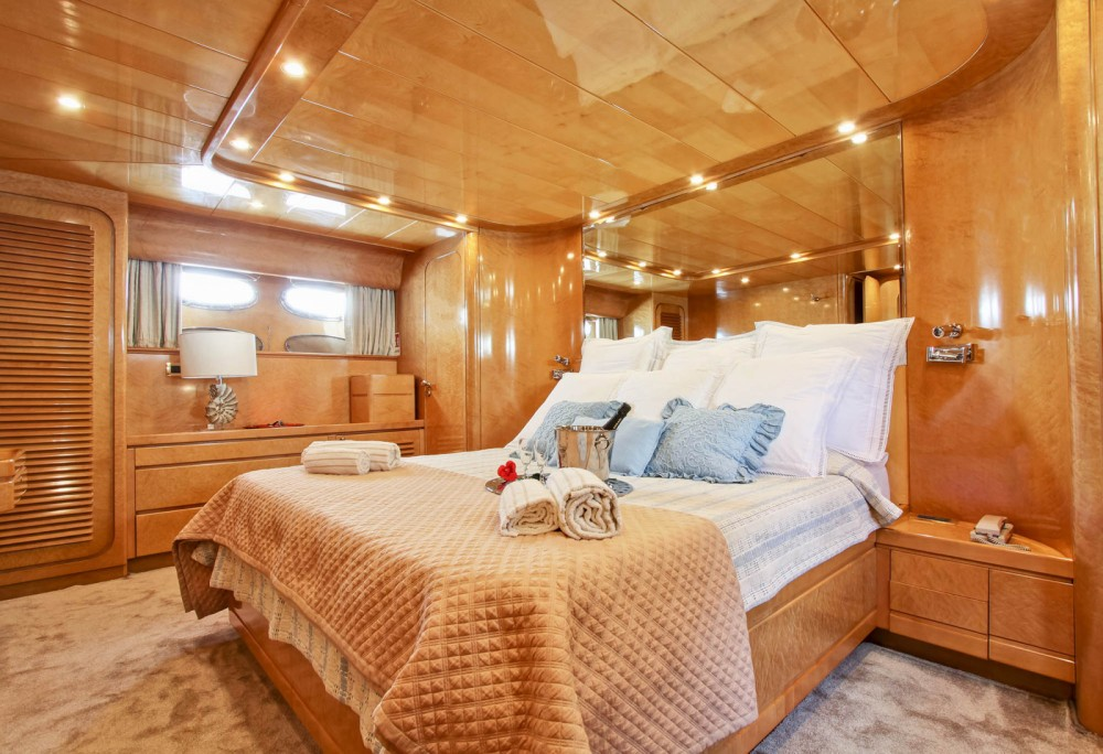 Hire Yacht with or without skipper Rizzardi Naples