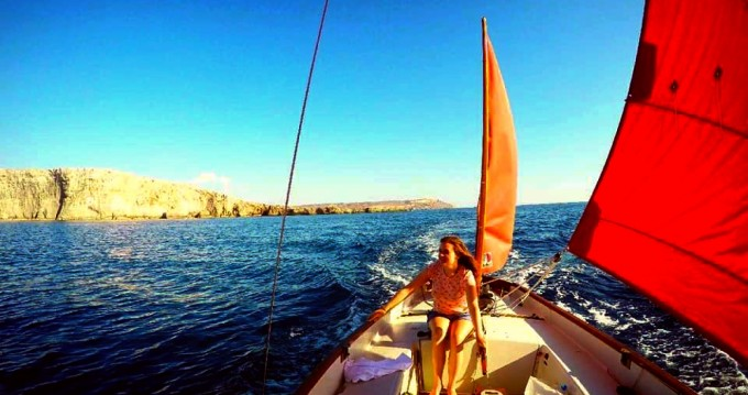 Hire Sailboat with or without skipper Honnor Marine Valletta