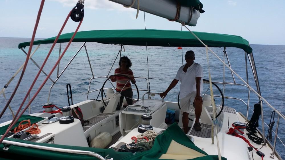 Alquiler de barcos Jeanneau Sun Odyssey 49i enLe Robert en Samboat