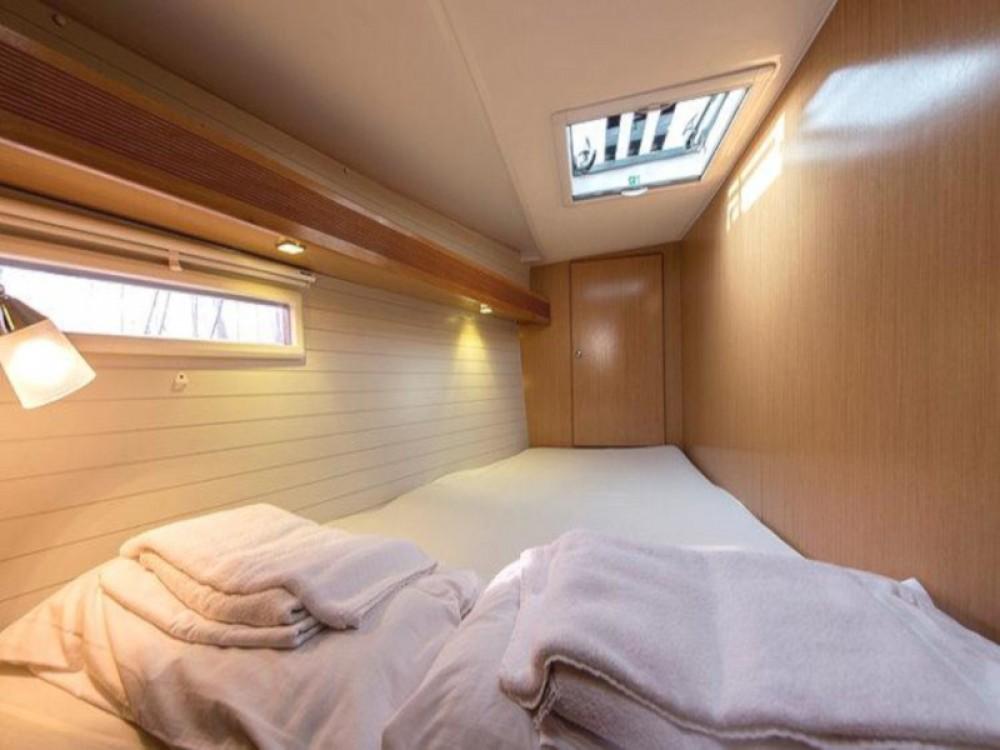 Rental yacht Laurium - Bavaria Bavaria Cruiser 45 on SamBoat