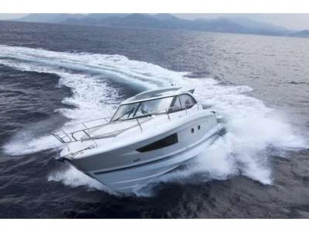 Rental Motor boat in Marina Kaštela - Jeanneau Jeanneau Leader 36