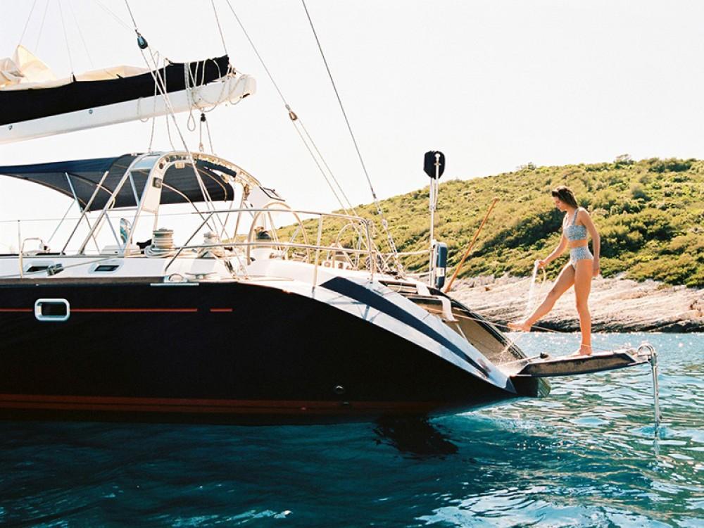 Location bateau Trogir pas cher Beneteau 62
