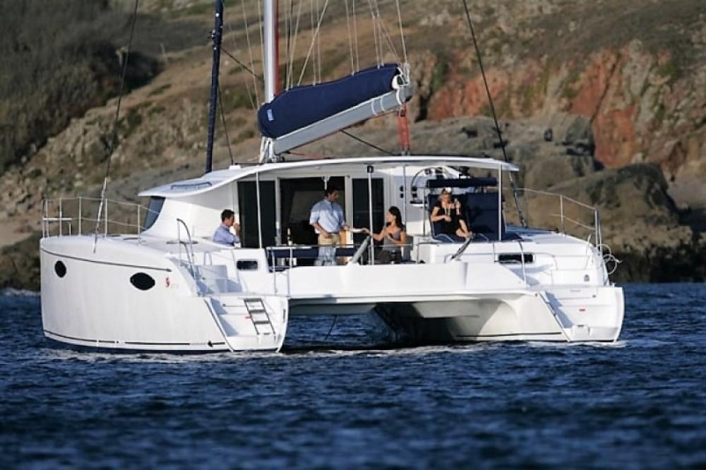 Verhuur Catamaran in Göcek - Fountaine Pajot Orana 44