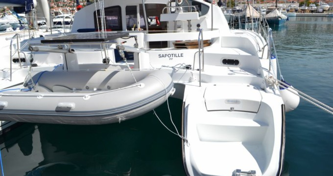 Rent a Fountaine Pajot Lavezzi 40 Kotor