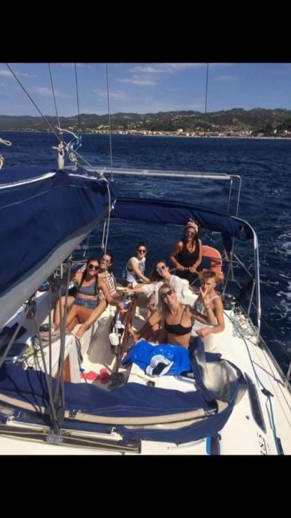 Barca a vela a noleggio Νέος Μαρμαράς al miglior prezzo