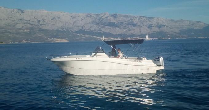 Louer Bateau à moteur avec ou sans skipper Atlantic à Sumartin