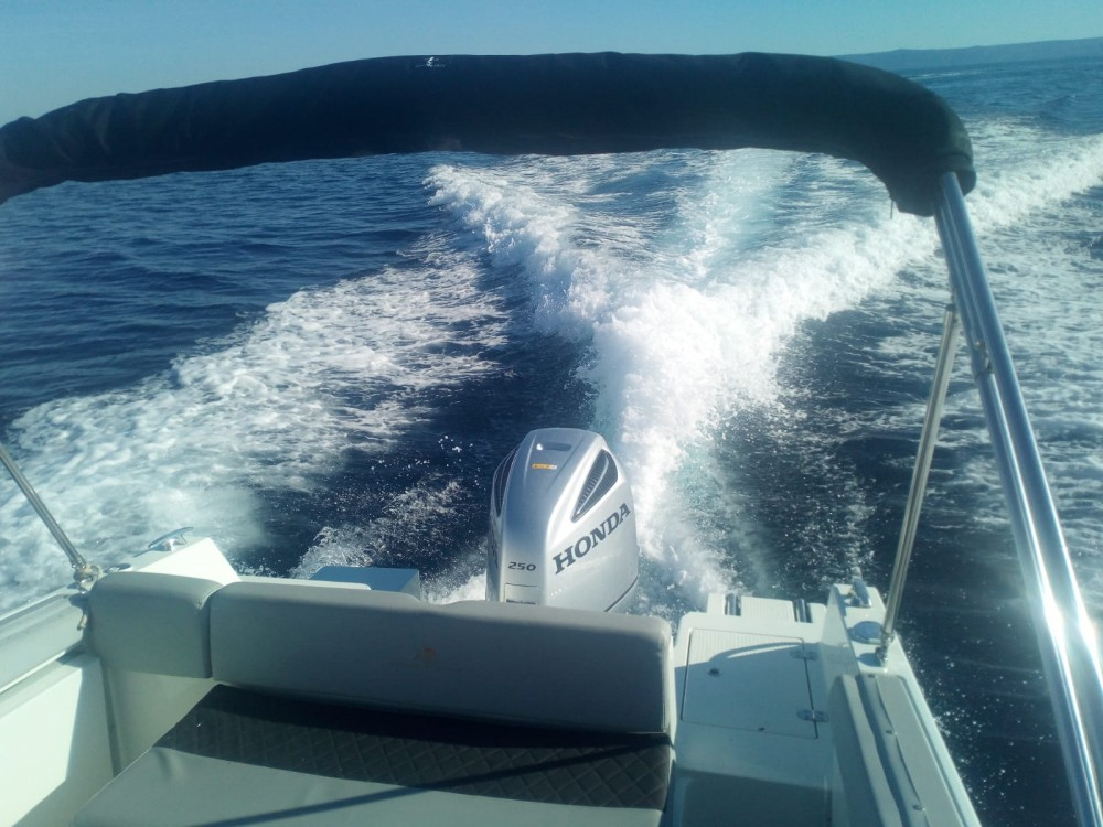 Boat rental Sumartin cheap 750 open