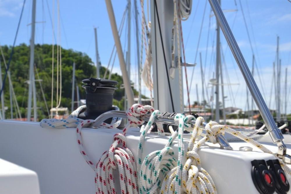 Location bateau Catana Bali 4.5 à Arnos Vale sur Samboat