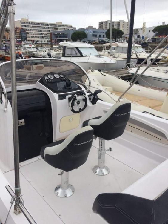 Alquiler Lancha Ranieri con título de navegación