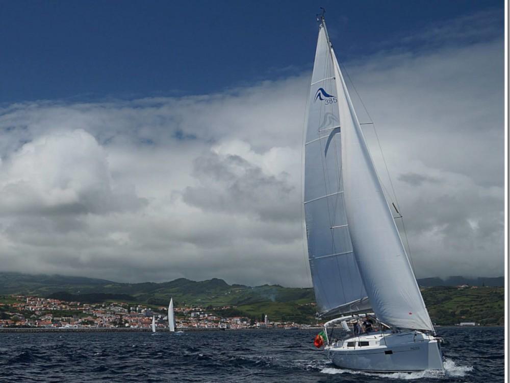 Hanse Hanse 385 entre particuliers et professionnel à Ponta Delgada