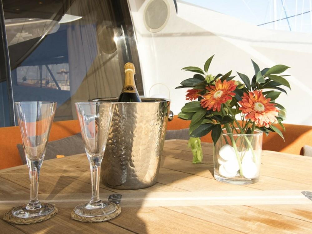 Huur Motorboot met of zonder schipper Sunseeker in Club de Mar