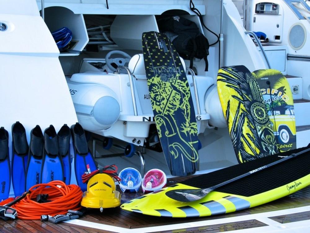 Jachthuur in Club de Mar - Sunseeker Predator 82 via SamBoat
