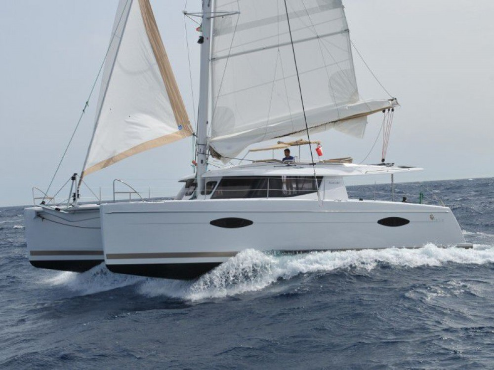 Boat rental Fountaine Pajot Helia 44 in Μαρίνα Αλίμου on Samboat