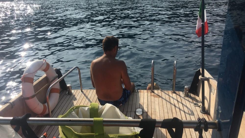 Rent a Nauticalodi Runaboat 24 Lavagna