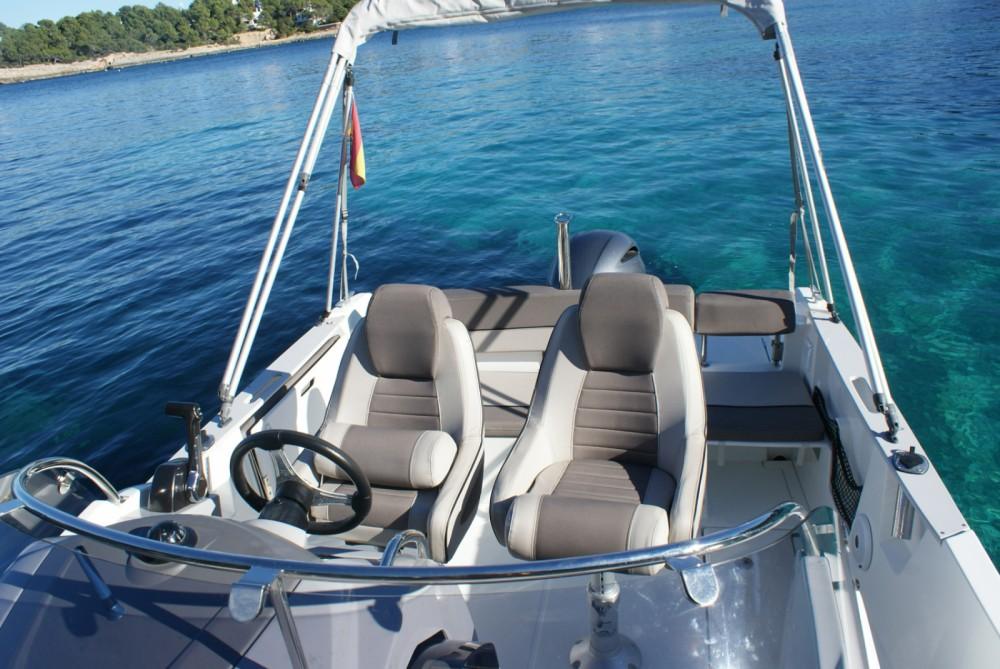 Huur Motorboot met of zonder schipper Jeanneau in Santa Eulària des Riu