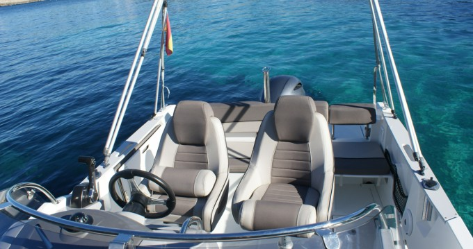 Alquiler de barcos Santa Eulalia del Río barato de Cap Camarat 6.5 WA