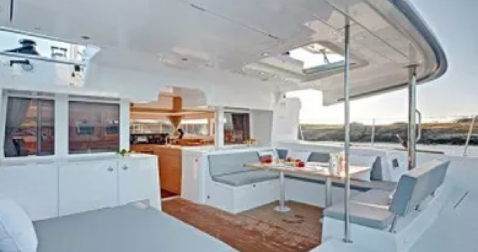 Location yacht à Port Grimaud - Lagoon Lagoon 450 sur SamBoat