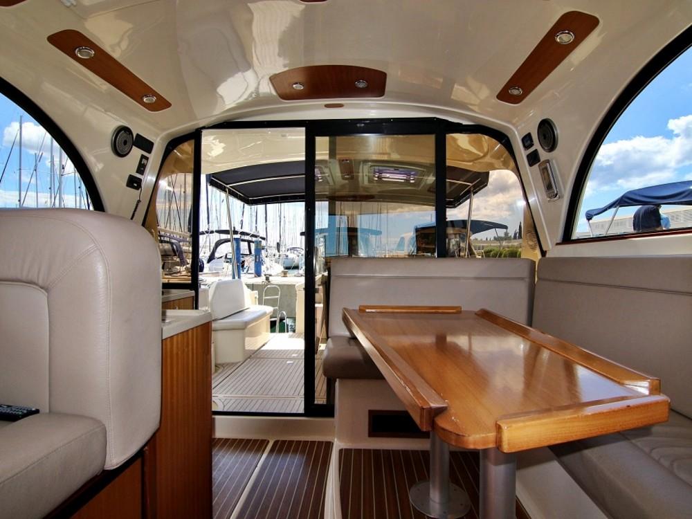 Noleggio barche Sas Vektor ADRIANA 44 Sukošan su Samboat