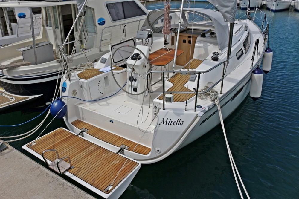 Bavaria Bavaria Cruiser 33 zwischen Privatpersonen und professionellem Anbieter Sukošan