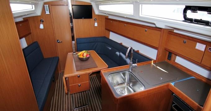 Rental Sailboat in Sukošan - Bavaria Bavaria Cruiser 34
