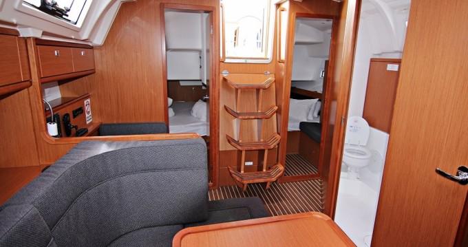Boat rental Bavaria Bavaria Cruiser 41 - 3 cab. in Sukošan on Samboat