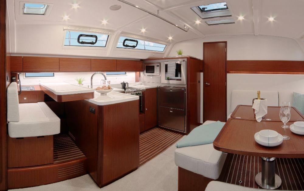 Bavaria Bavaria Cruiser 51 entre particuliers et professionnel à Seget Donji