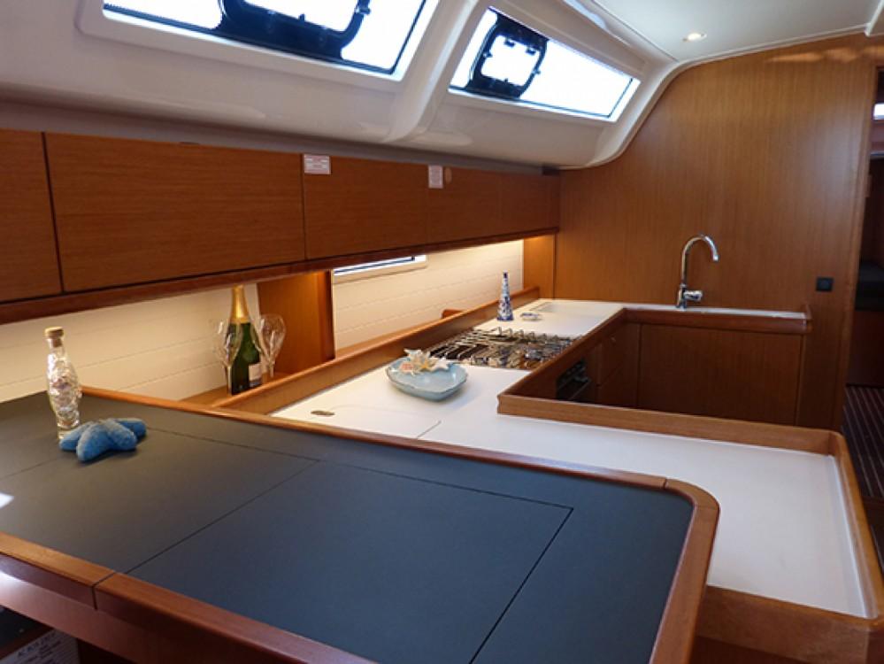 Bavaria Bavaria Cruiser 51 entre particuliers et professionnel à Procida