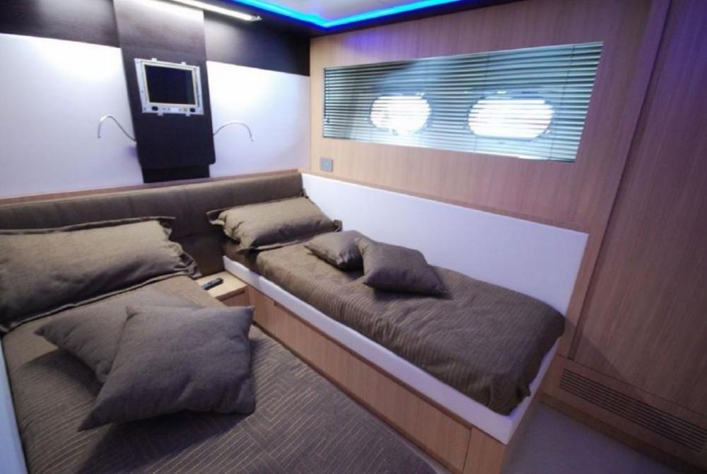 Location yacht à Fréjus - Jaguar 80 yacht sur SamBoat