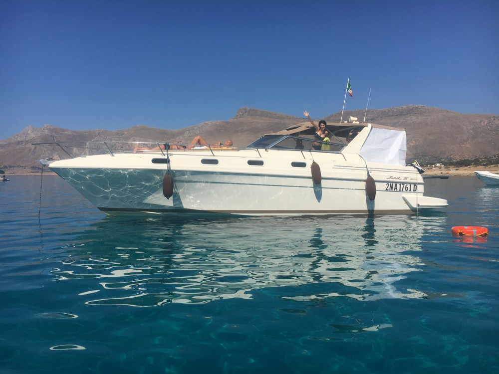 Rental Motor boat Fiart with a permit