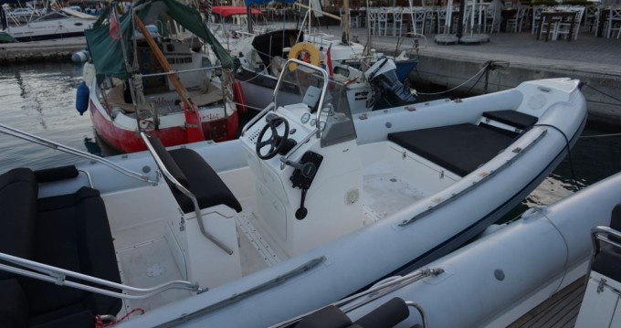 Location yacht à Lefkas Egremni - Scorpion 740 sur SamBoat