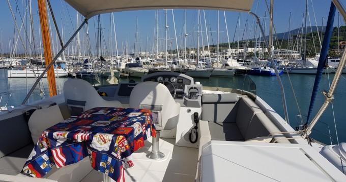 Rental yacht Puntone di Scarlino - Bénéteau Swift Trawler 44 on SamBoat