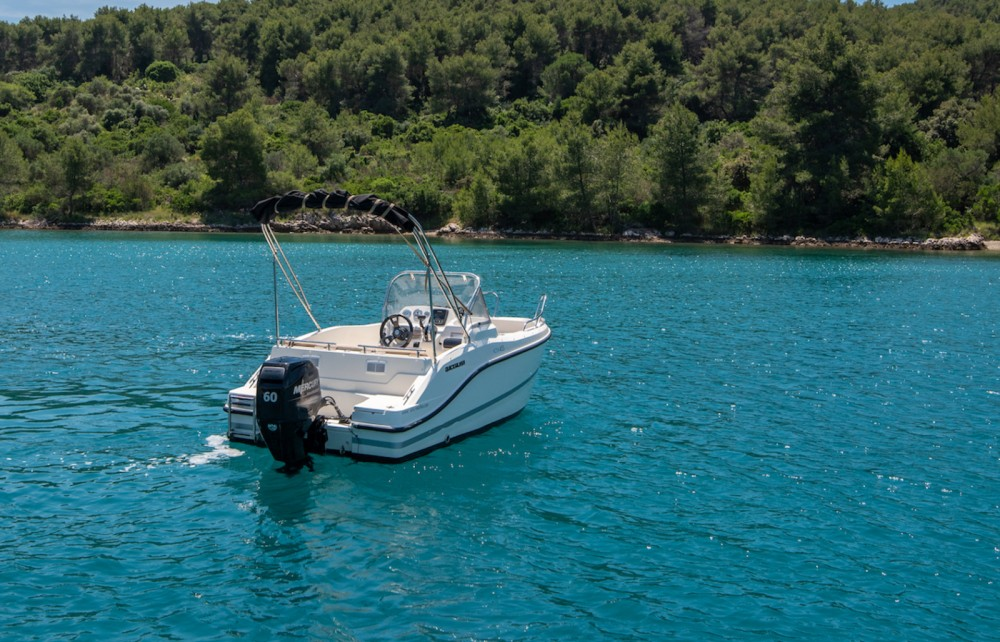 Location bateau Quicksilver Activ 455 Open à Trogir sur Samboat