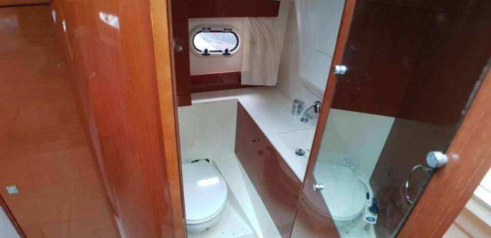 Location bateau Le Lavandou pas cher Leader 8