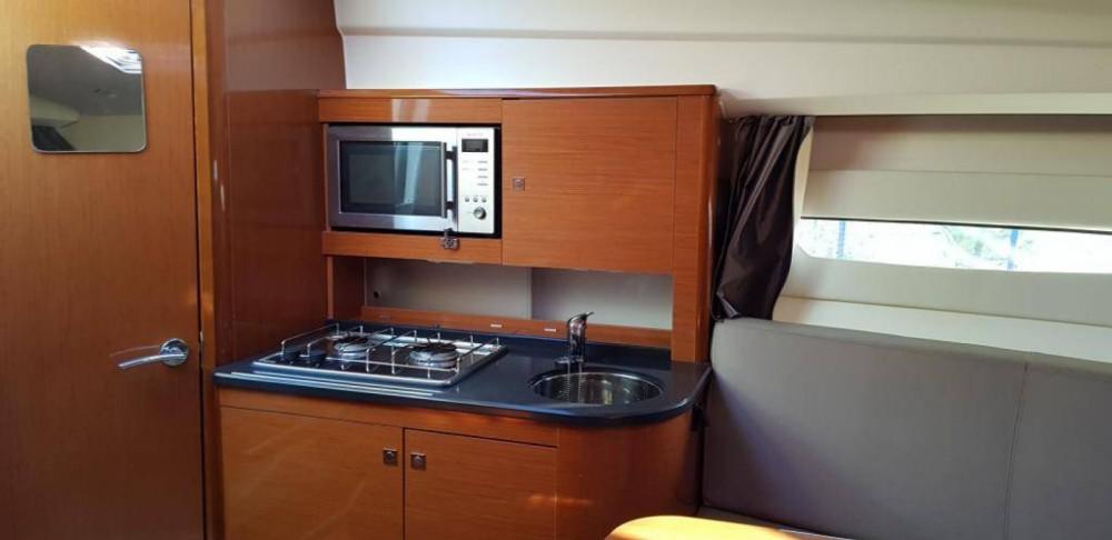 Location yacht à Le Lavandou - Jeanneau Leader 8 sur SamBoat