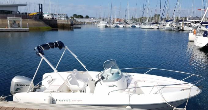 Location bateau B2 Marine Cap Ferret 552 Sun Deck à Vannes sur Samboat