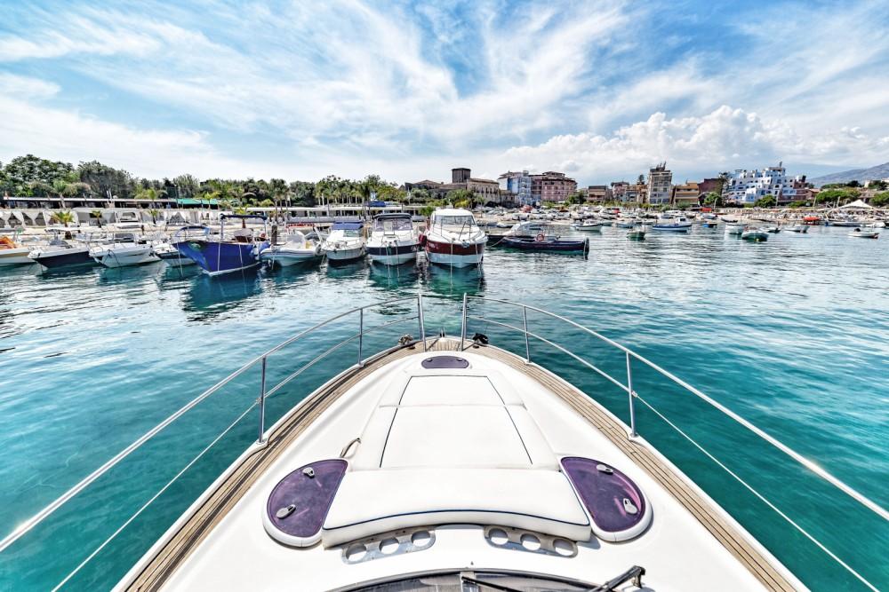 noleggio Barca a motore Taormina - Bavaria BMB 32 Sport DC