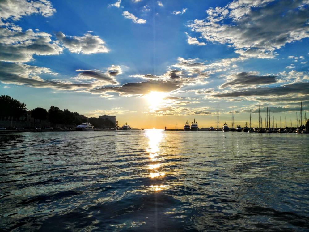 Louer Bateau à moteur avec ou sans skipper AM Yacht à Zadar