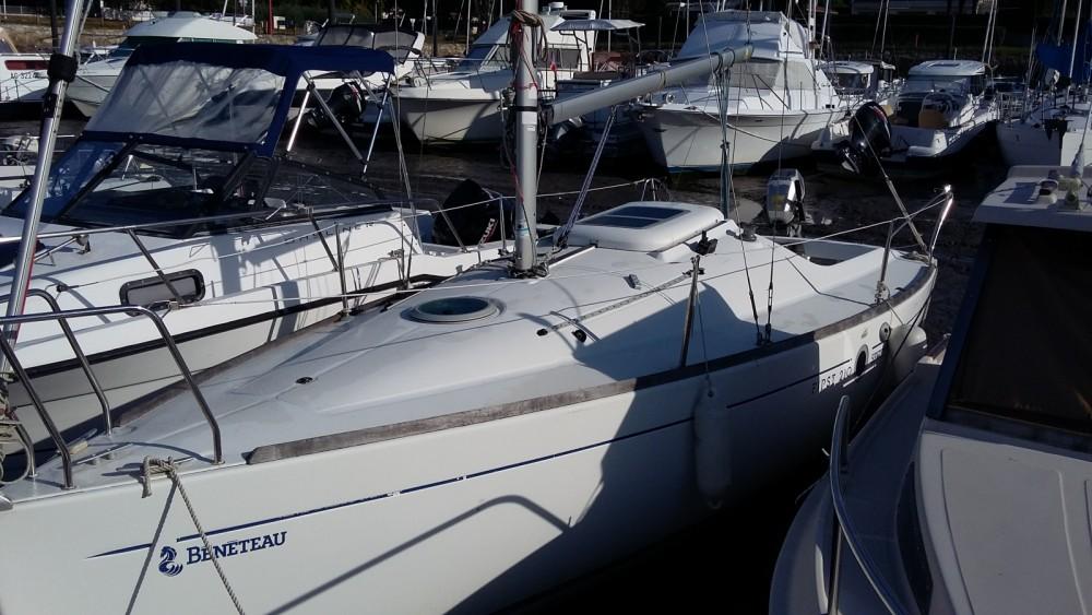 Hire Sailboat with or without skipper Bénéteau Arvieu