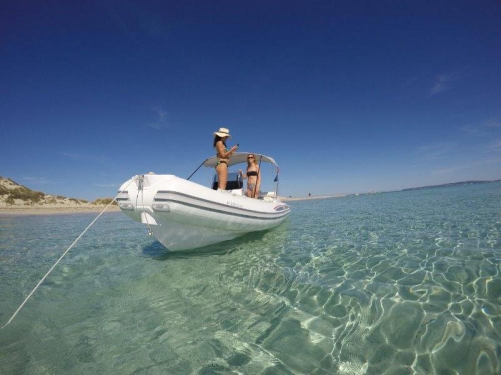 Location bateau Marina Botafoch pas cher DS Evolution