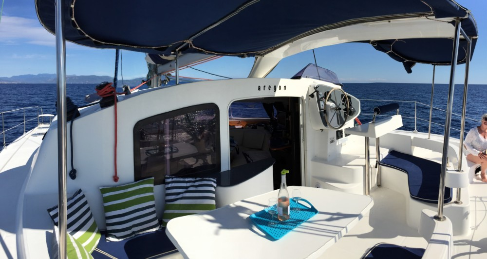 Rental yacht Roses - Fountaine Pajot Lavezzi 40 on SamBoat