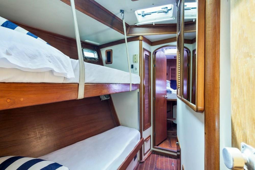 Boat rental Irwin IRWIN 68 in Barcelona on Samboat