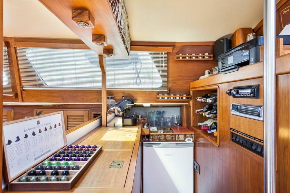 Boat rental Barcelona cheap IRWIN 68