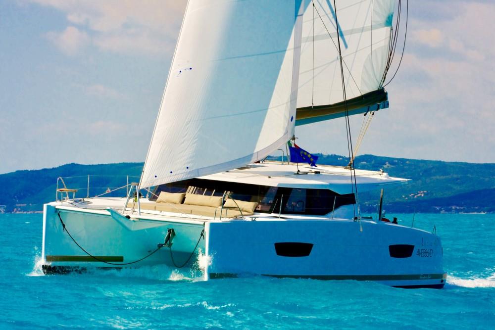 Rental yacht Castellammare di Stabia - Fountaine Pajot Fountaine Pajot Lucia 40 on SamBoat