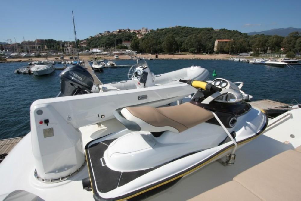 Trawler Yacht entre particuliers et professionnel à Ajaccio