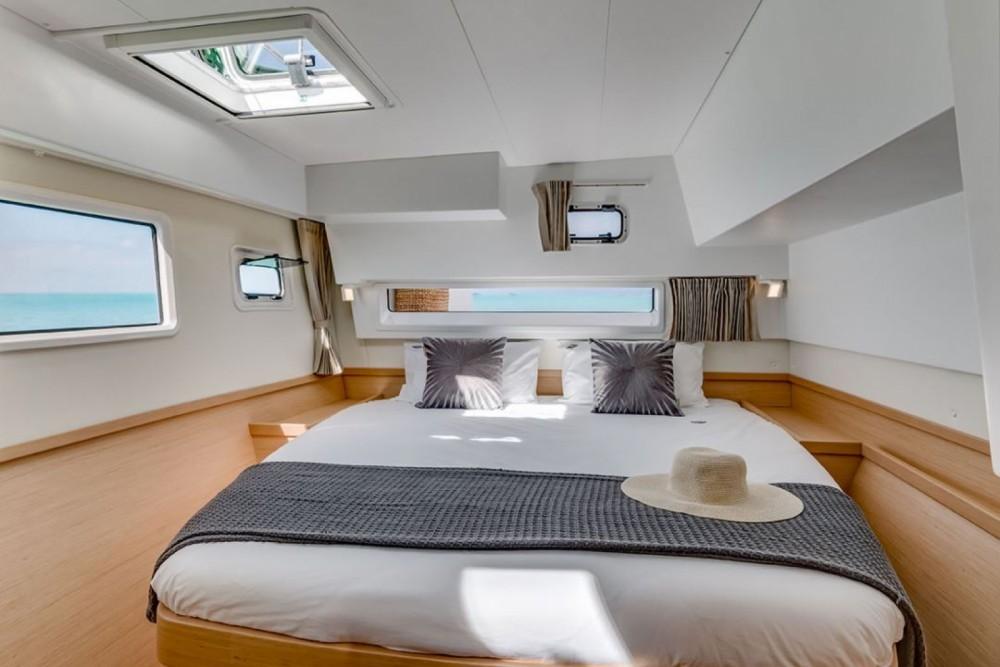 Catamaran à louer à Santa Teresa Gallura au meilleur prix
