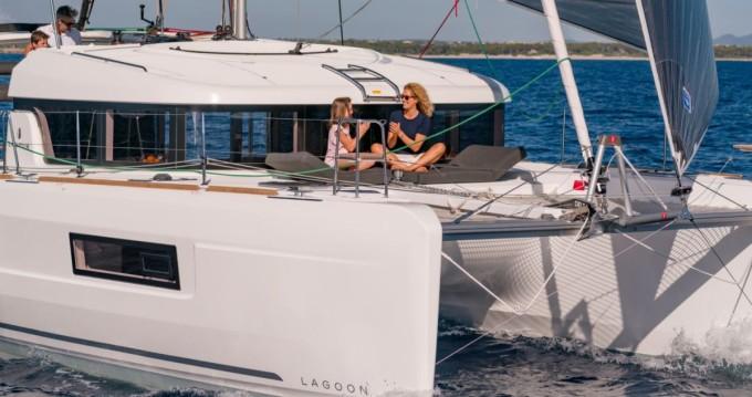 Louer Catamaran avec ou sans skipper Lagoon à Santa Teresa Gallura