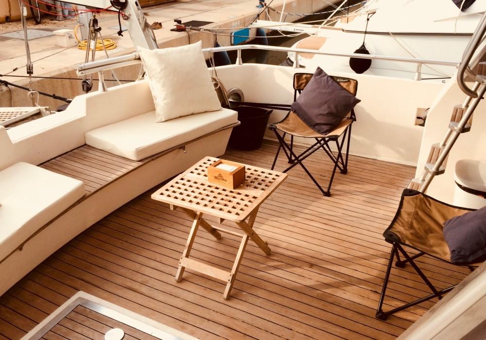 Boat rental Astondoa Astondoa 50 GLX in Dénia on Samboat