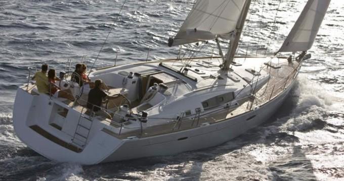 Location bateau Athènes pas cher Oceanis 54